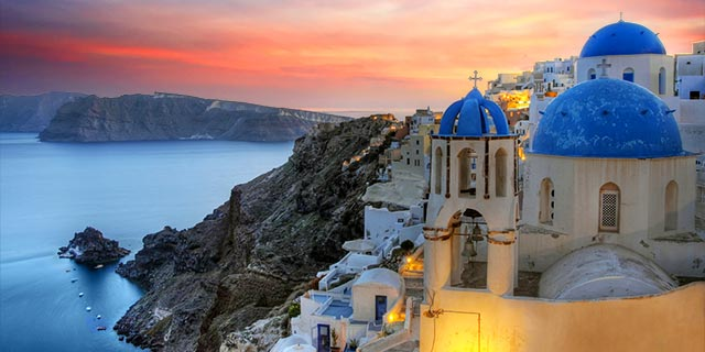 santorini-sunset-greece.640x320